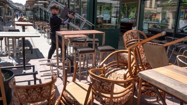 Orașul în care locuitorii vor primi 50 de euro pentru a-i cheltui în restaurante, după relaxarea restricțiilor