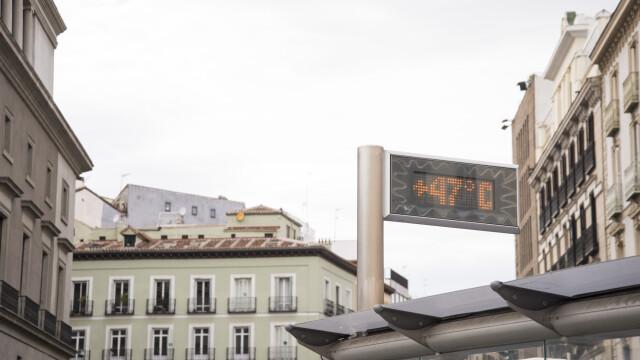 Sud-estul Europei se sufocă din cauza unui val de căldură. Zonele în care s-au atins și 47 de grade
