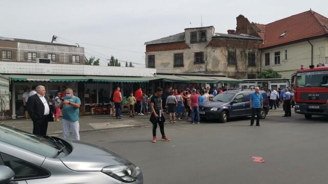 Scandal în cartierul Rahova. Primăria Sectorului 5 demolează Piața de Flori - Imaginea 2