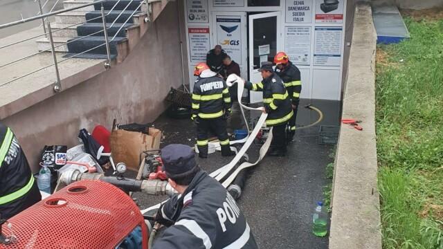 GALERIE FOTO. Furtuna a făcut ravagii în București și alte opt judeţe - Imaginea 5