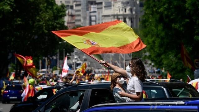 Mii de spanioli au participat la un protest auto. Ce îi reproșează premierului. GALERIE FOTO - Imaginea 14