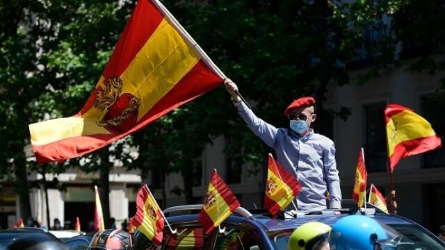Mii de spanioli au participat la un protest auto. Ce îi reproșează premierului. GALERIE FOTO - Imaginea 13