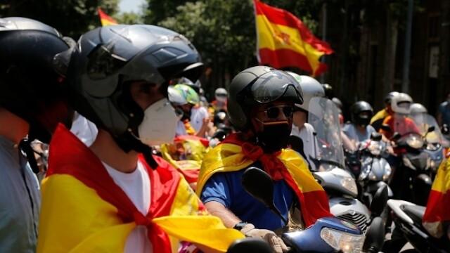 Mii de spanioli au participat la un protest auto. Ce îi reproșează premierului. GALERIE FOTO - Imaginea 10
