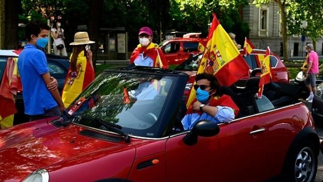 Mii de spanioli au participat la un protest auto. Ce îi reproșează premierului. GALERIE FOTO - Imaginea 9