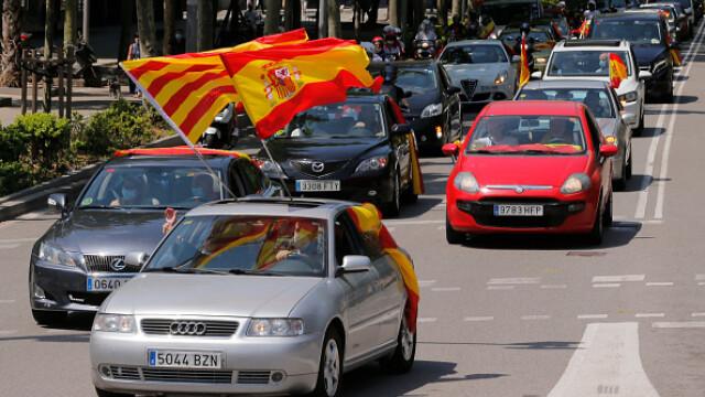 Mii de spanioli au participat la un protest auto. Ce îi reproșează premierului. GALERIE FOTO - Imaginea 8