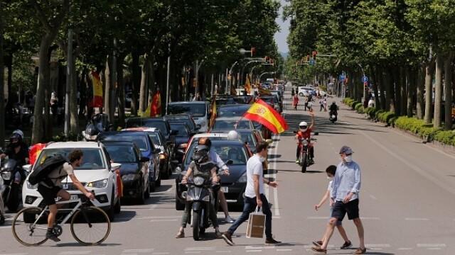 Mii de spanioli au participat la un protest auto. Ce îi reproșează premierului. GALERIE FOTO - Imaginea 6