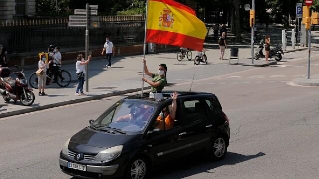 Mii de spanioli au participat la un protest auto. Ce îi reproșează premierului. GALERIE FOTO - Imaginea 5