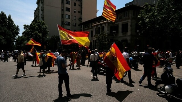 Mii de spanioli au participat la un protest auto. Ce îi reproșează premierului. GALERIE FOTO - Imaginea 4