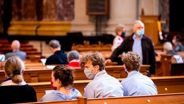 Cel puţin 40 de persoane infectate cu Covid-19 în timpul unei slujbe religioase în Germania