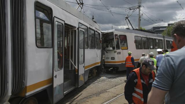 Accident grav în București. Șapte oameni sunt răniți după ce două tramvaie s-au ciocnit - Imaginea 2