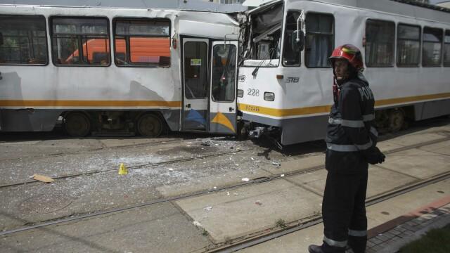 Accident grav în București. Șapte oameni sunt răniți după ce două tramvaie s-au ciocnit - Imaginea 3