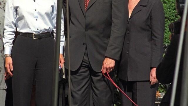 Bill Clinton, dezvăluiri scandaloase despre relația intimă cu Monica Lewinsky - Imaginea 4