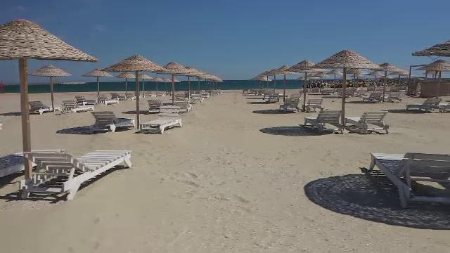 Litoralul se pregătește să primească turiștii. Cum va fi regula prosoapelor de pe plajă