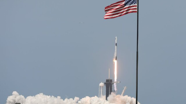 Moment istoric pentru NASA și SpaceX. Capsula Crew Dragon a fost lansată în spațiu. VIDEO - Imaginea 4