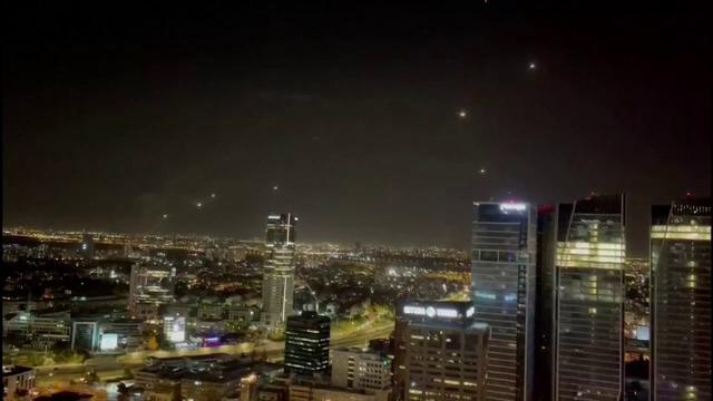 FOTO și VIDEO. Război în Fâșia Gaza. Israelul și palestinienii se bombardează reciproc - Imaginea 1