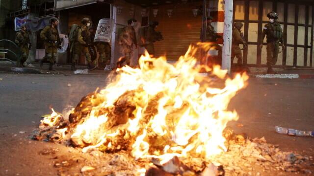 FOTO și VIDEO. Război în Fâșia Gaza. Israelul și palestinienii se bombardează reciproc - Imaginea 6