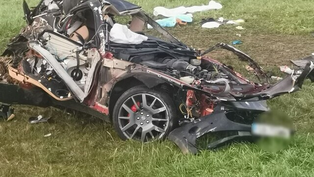 Trei bărbați au murit după ce s-au răsturnat cu o mașină de lux. Participaseră la o petrecere - Imaginea 3