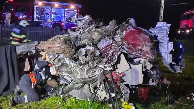 Trei bărbați au murit după ce s-au răsturnat cu o mașină de lux. Participaseră la o petrecere - Imaginea 4