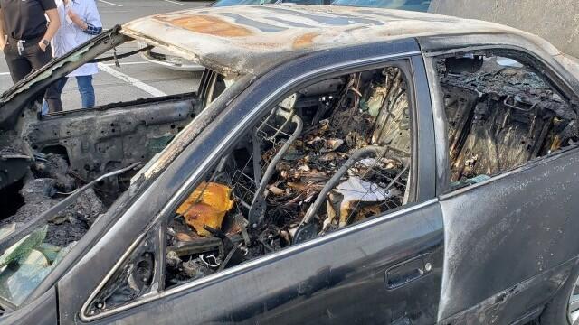 O mașină a luat foc după ce șoferul a folosit dezinfectant în timp ce fuma o țigară - Imaginea 2