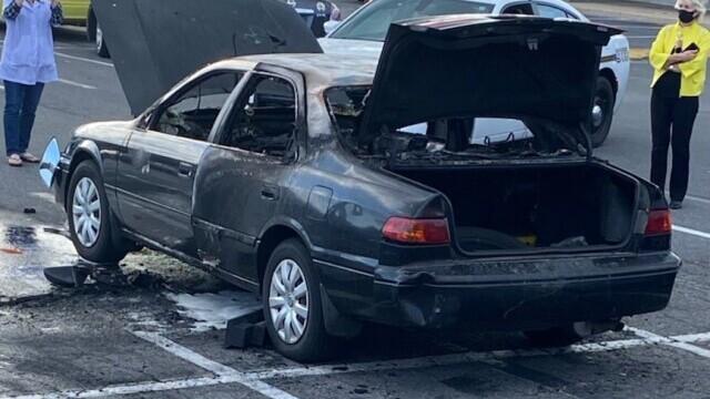 O mașină a luat foc după ce șoferul a folosit dezinfectant în timp ce fuma o țigară - Imaginea 3