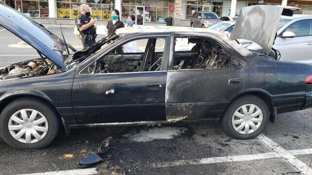 O mașină a luat foc după ce șoferul a folosit dezinfectant în timp ce fuma o țigară - Imaginea 4
