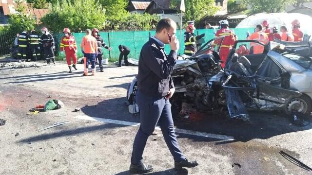 Accident grav pe DN1. Cinci persoane au murit - Imaginea 1