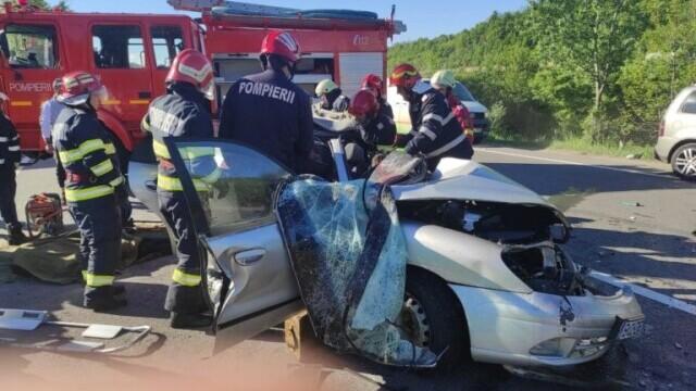 Accident grav pe DN1. Cinci persoane au murit - Imaginea 4