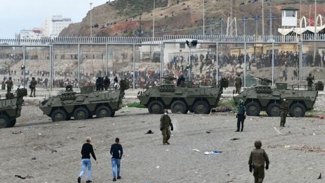 Spania a trimis armata în Ceuta. Mii de migranţi au ajuns înot în exclava spaniolă - Imaginea 1