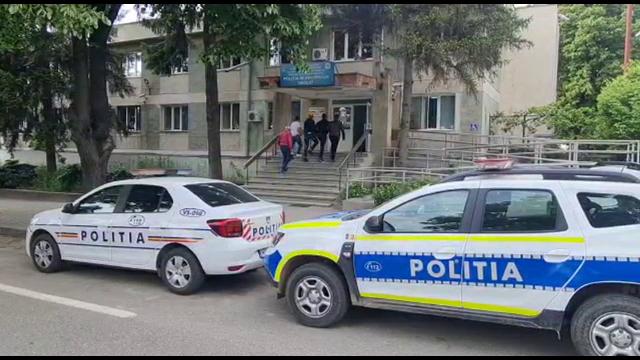 Un adolescent de 14 ani și 5 adulți, reținuți după încăierarea dintr-o localitate din Vaslui