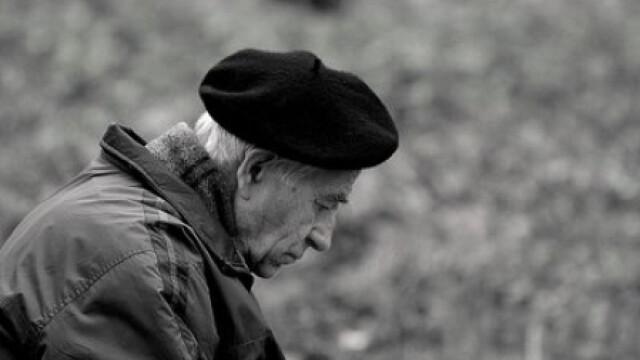 Pensionar batut fara mila de hotii care i-au cerut banii de inmormantare