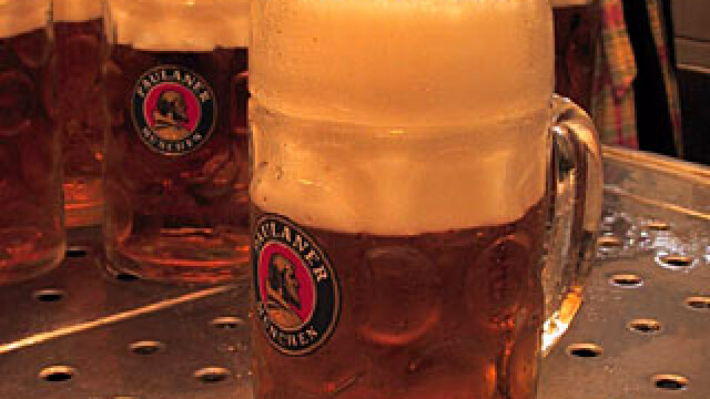 Militarii germani au baut un milion de litri de bere in Afganistan!