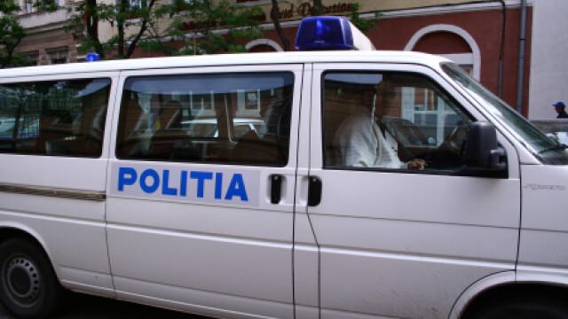 Femeia s-a predat politistilor