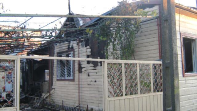 Casele au ars in proportie de 60