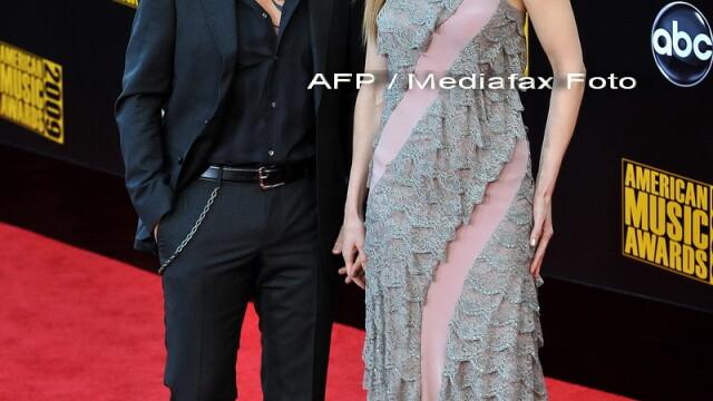 Starurile de la Hollywood te invata cum sa mentii pasiunea in cuplu! - Imaginea 6