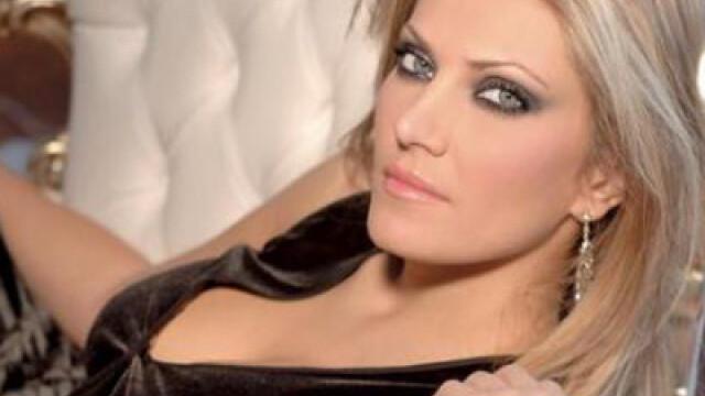 Iat-o pe Elena Udrea a Greciei. Femeia care se bate pentru drepturile grecoaicelor in politica - Imaginea 7