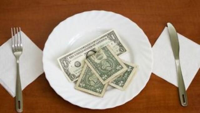 Vrei sa castigi bani pe langa salariu? Lista joburilor cu cele mai mari bacsisuri