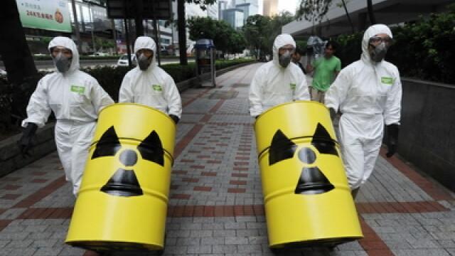 Grecia a confiscat 14.000 de costume nord-coreene de protectie chimica. Trebuiau sa ajunga in Siria