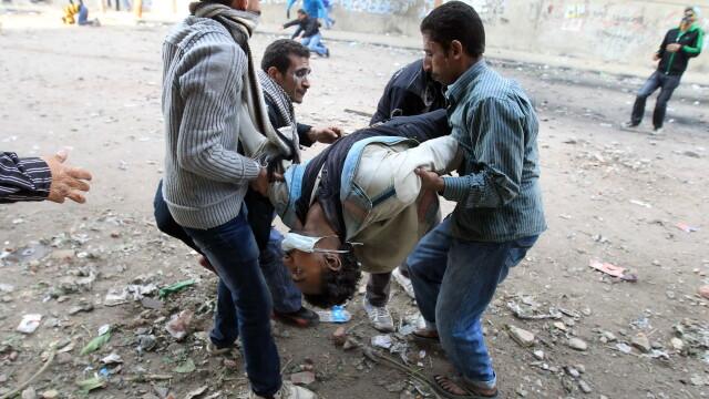 Criza in Egipt. Sute de mii de oameni ies in strada pentru a forta demisia autoritatilor militare - Imaginea 6