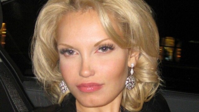 Viata i s-a schimbat intr-o singura noapte. Ce a patit aceasta femeie frumoasa din Rusia. FOTO