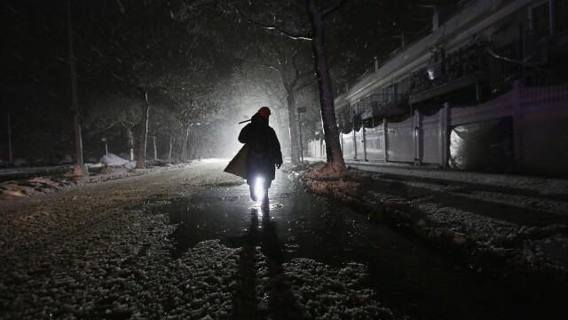 Dupa uraganul Sandy, inca un fenomen extrem loveste New York-ul: furtuna hibernala. Galerie FOTO - Imaginea 2