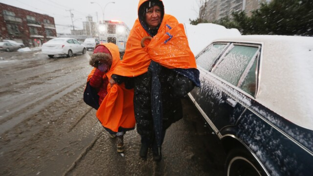 Dupa uraganul Sandy, inca un fenomen extrem loveste New York-ul: furtuna hibernala. Galerie FOTO - Imaginea 5