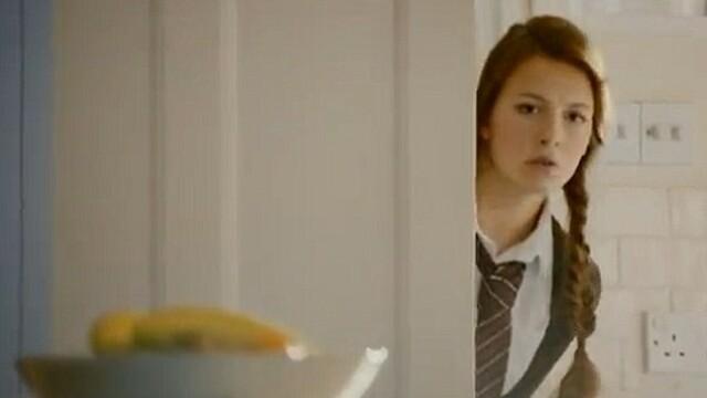 Reclama care a scandalizat Marea Britanie. Cum apare o eleva de 18 ani in acest videoclip. VIDEO - Imaginea 2