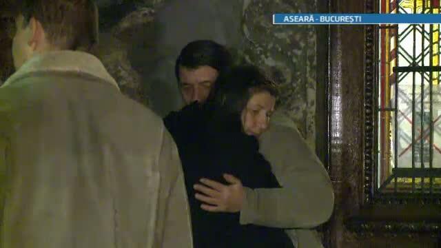 Colegii de la teatru, rudele si prietenii lui Serban Ionescu l-au privegheat pe actor joi seara