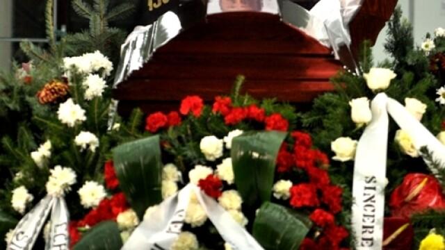 Serban Ionescu a fost inmormantat cu onoruri militare, la cimitirul Bellu - Imaginea 2