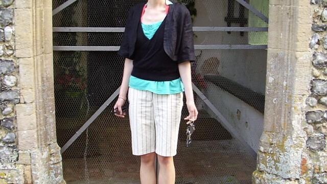 A fost la un pas de moarte din cauza anorexiei. Acum, pozeaza goala in Cosmopolitan. GALERIE FOTO