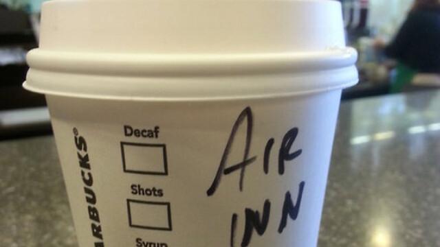 Topul celor mai haioase nume scrise gresit pe paharele de la Starbucks - Imaginea 3