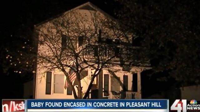 Autoritatile din Missouri au descoperit un bebelus zidit in cada unei case. VIDEO