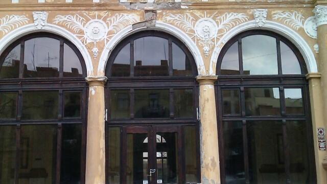 Cazinoul din Arad a ajuns in paragina. Vezi cum arata cladirea declarata monument istoric - Imaginea 2