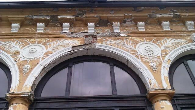 Cazinoul din Arad a ajuns in paragina. Vezi cum arata cladirea declarata monument istoric - Imaginea 4