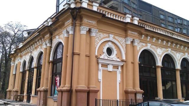 Cazinoul din Arad a ajuns in paragina. Vezi cum arata cladirea declarata monument istoric - Imaginea 13